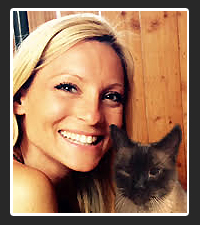 Deanne Thomsen  on Pet Life Radio