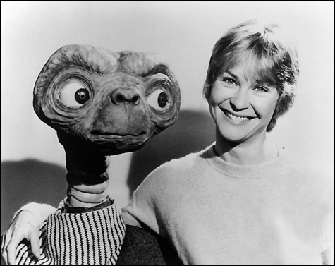 Dee Wallace and E.T. on Pet Life Radio