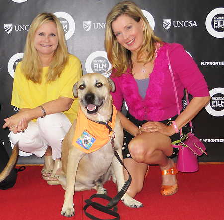 Robin Ganzert, Super Smiley and Megan Blake on Pet Life Radio
